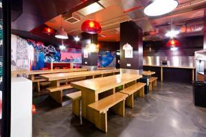 clink78-facilities-dining-area-1